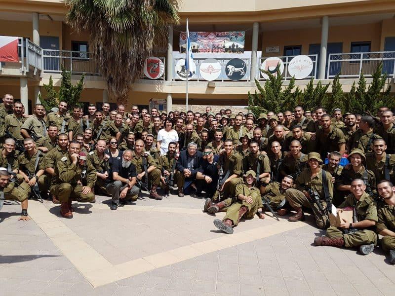 עיריית רמת גן מחבקת את הצנחנים