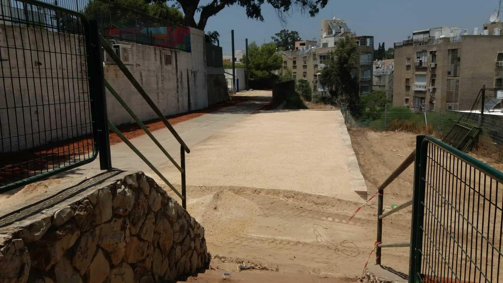 הקמת חצר לימודית חדשה בבית ספר בורוכוב, צילום: באדיבות דוברות עיריית גבעתיים