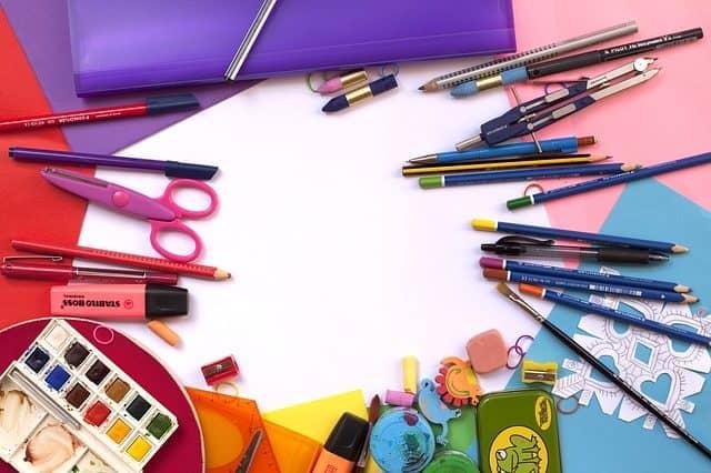 חוזרים לבית הספר - כלי כתיבה, תיקים קלמרים ועוד ציוד לבית הספר
