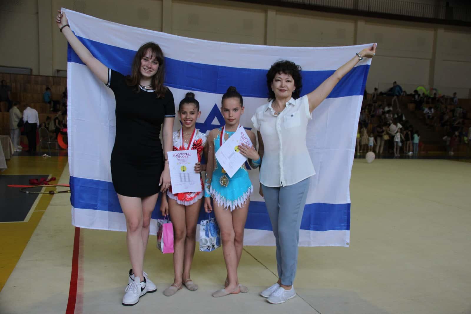 הישגים לבנות גבעתיים בתחרות בינלאומית, צילום: העמותה לקידום הספורט בגבעתיים