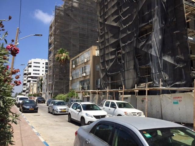 בנייה מאסיבית בשכונת חרוזים, צילום: באדיבות תושב השכונה