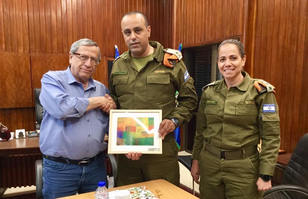 """ראש עיריית רמת גן ומפקד פיקוד העורף, צילום: באדיבות דובר צה""""ל"""
