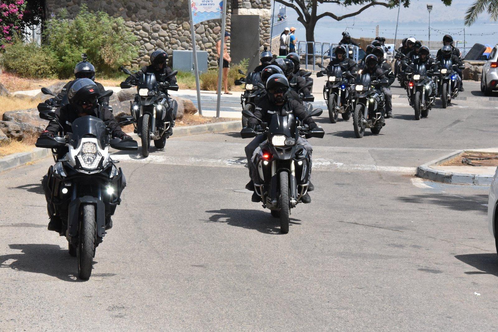 """שוטרי יס""""מ רכובים על אופנועים, צילום: באדיבות דוברות משטרת ישראל"""