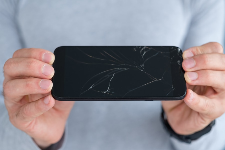 תיקון טלפון והחלפת מסך שבור בגבעתיים