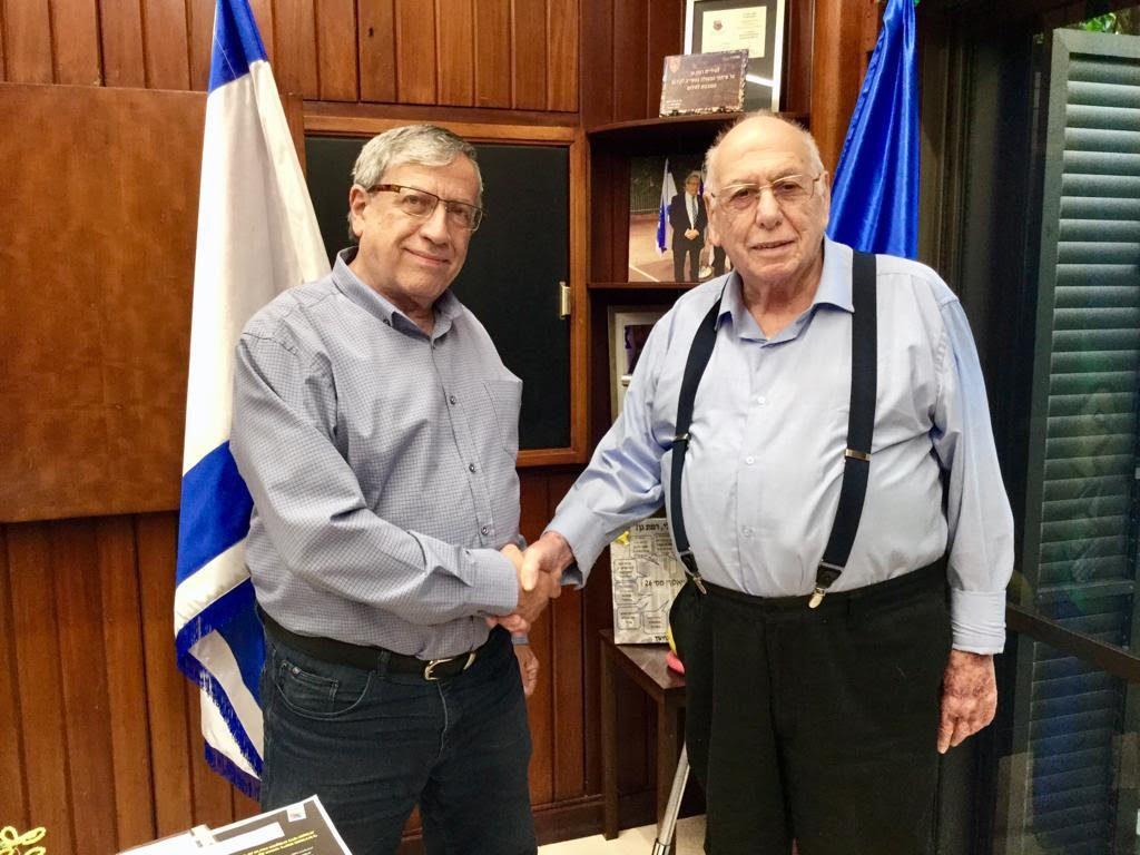 הגמלאים עם ישראל זינגר