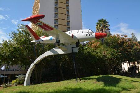גבעתיים משפצת את מטוס חיל האוויר