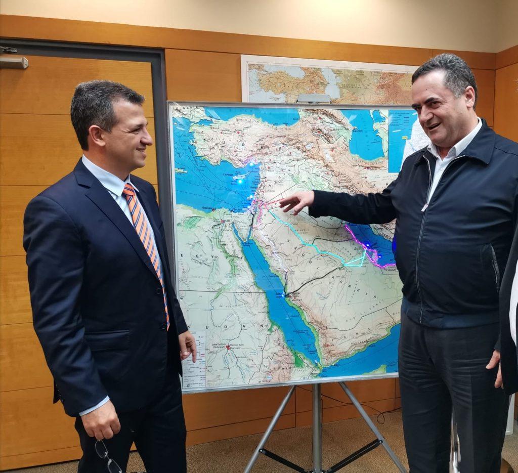 ראש עיריית רמת-גן כרמל שאמה הכהן עם שר התחבורה ישראל כץ (1)