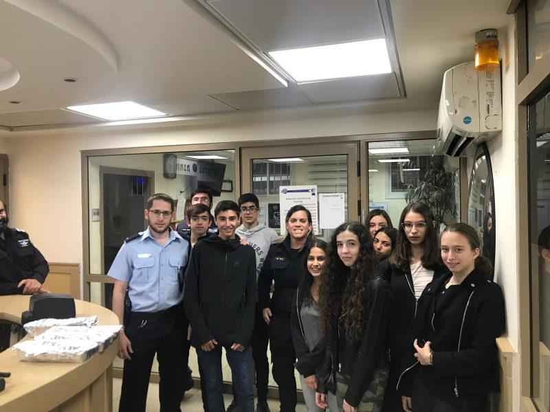 מפגש משמעותי: בני הנוער של גבעתיים מתנדבים מכל הלב