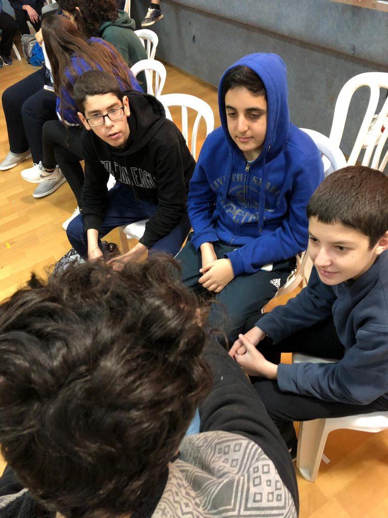 תלמידי בתי הספר בזמן הפעילות