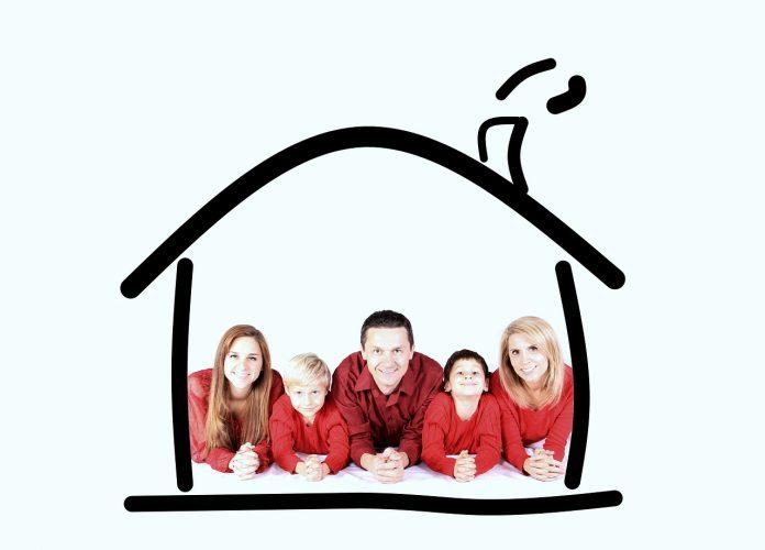 עם ביטוח דירה טוב כל המשפחה רגועה