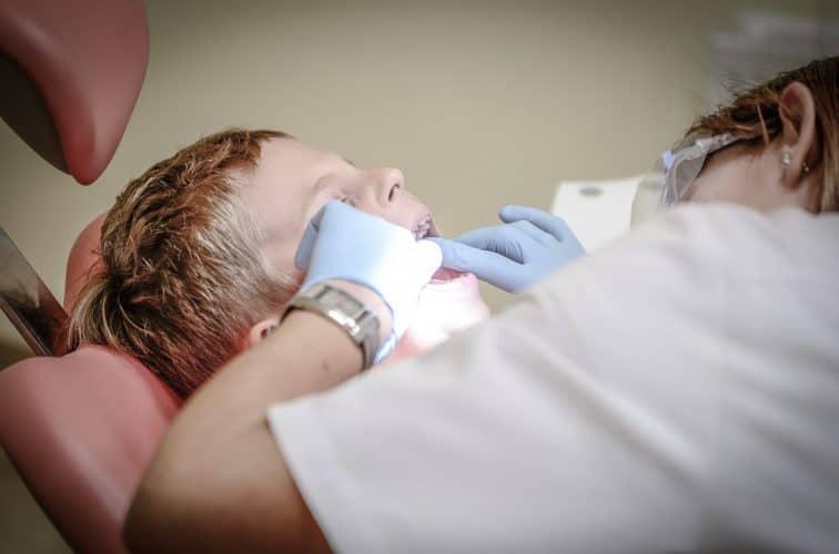 יישור שיניים לילד