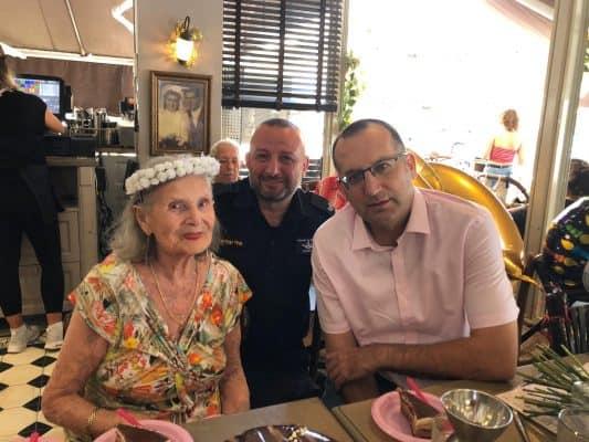 יום הולדת 94 לניצולת שואה בגבעתיים