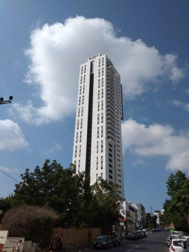 המגדל ברחוב נגבה