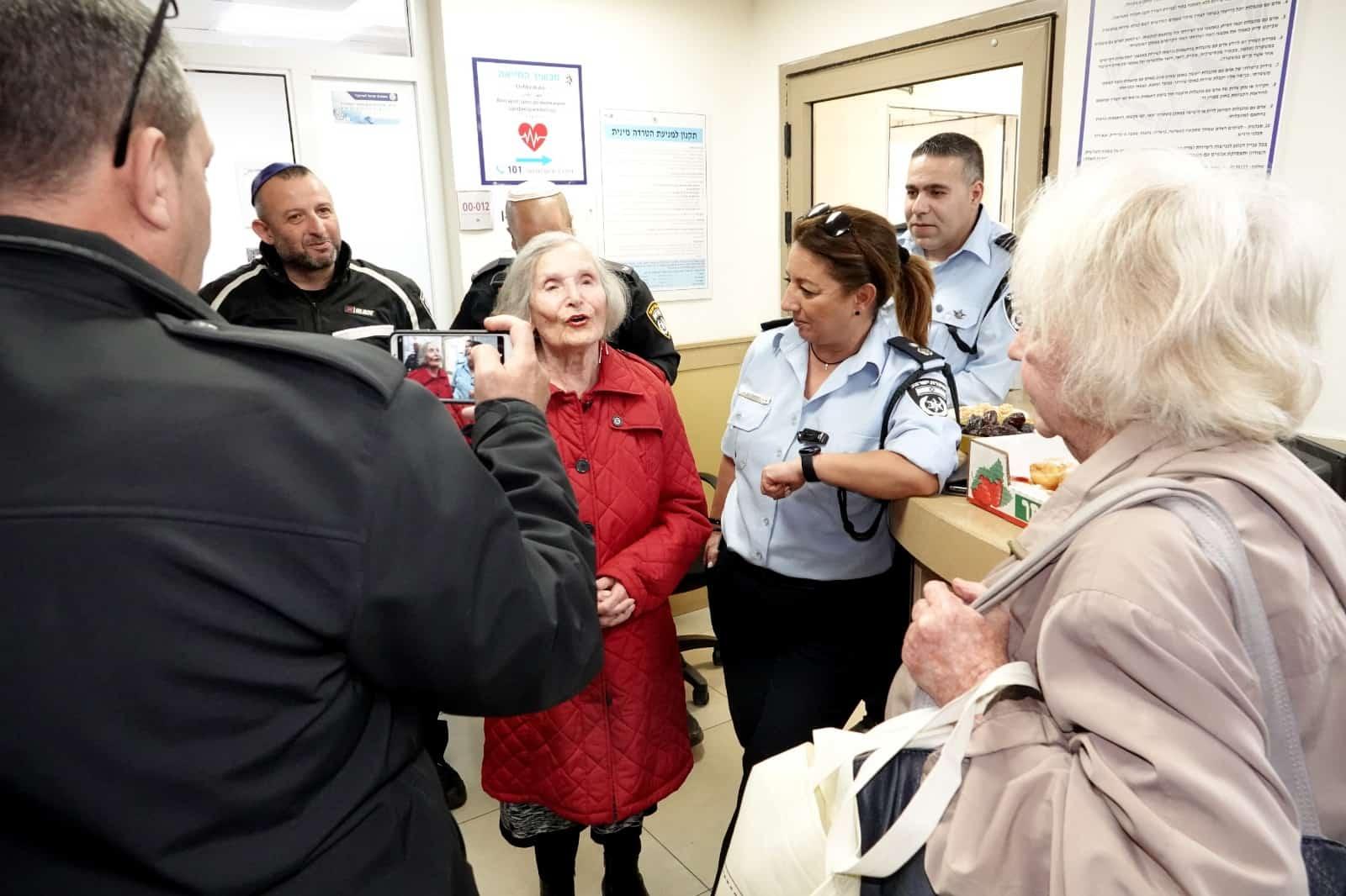 מרים שרה לשוטרים מעוז צור