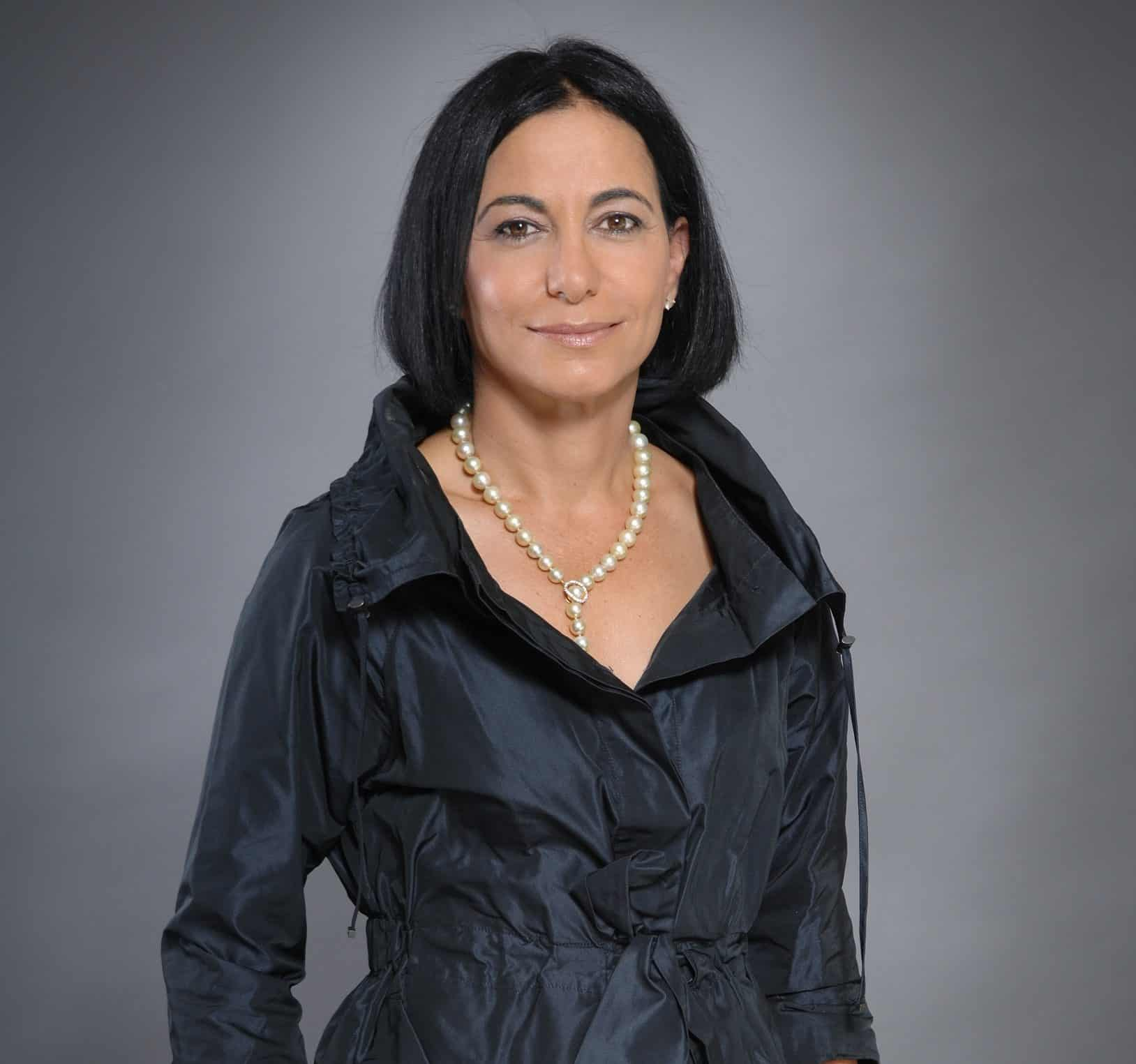 דליה שוסטר בעלים ומנכ