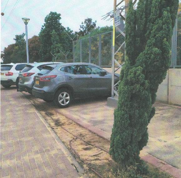 מכוניות בבית החולים