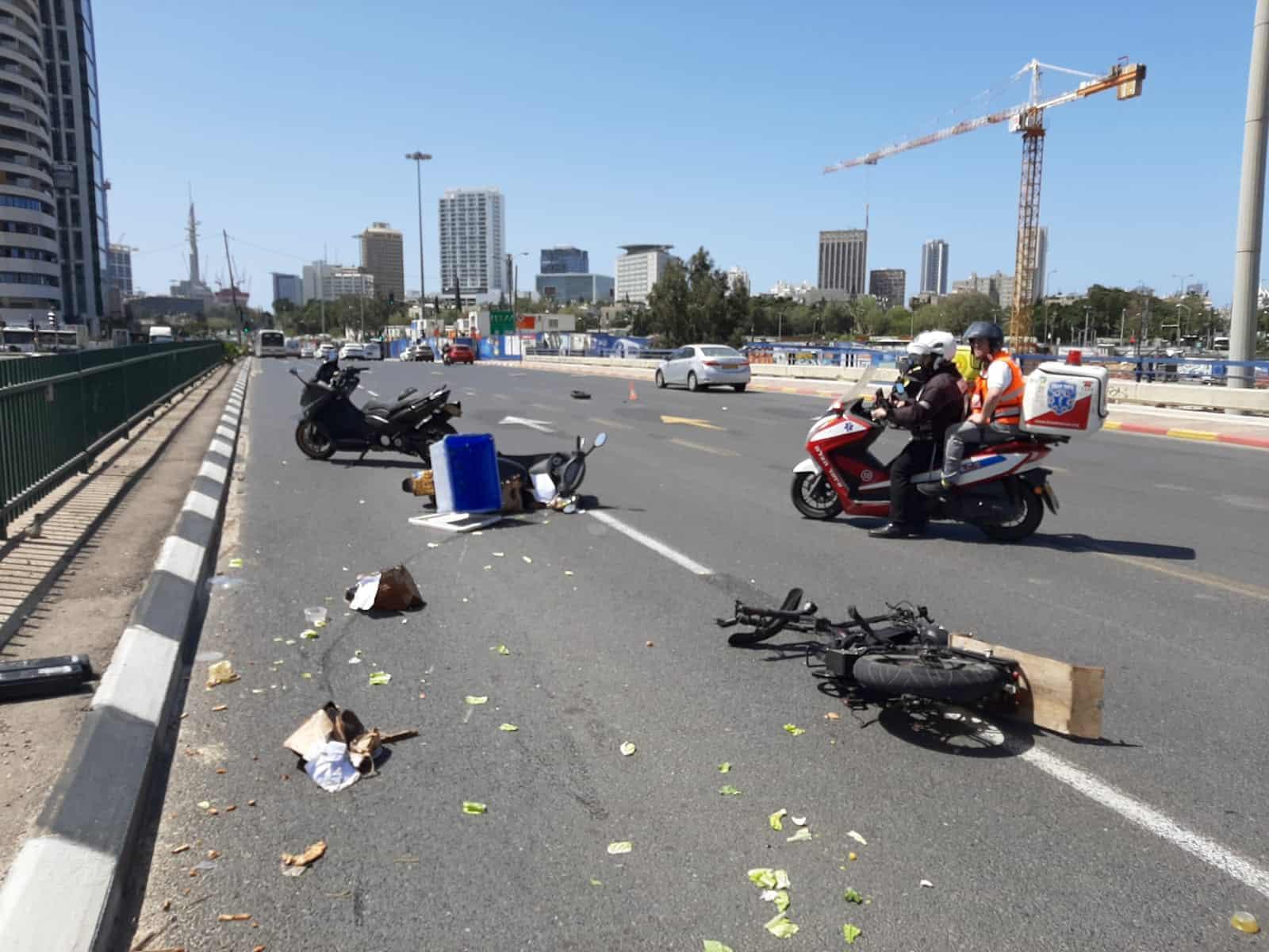 תאונה ברחוב זב'וטינסקי רמת גן. צילום: איחוד והצלה