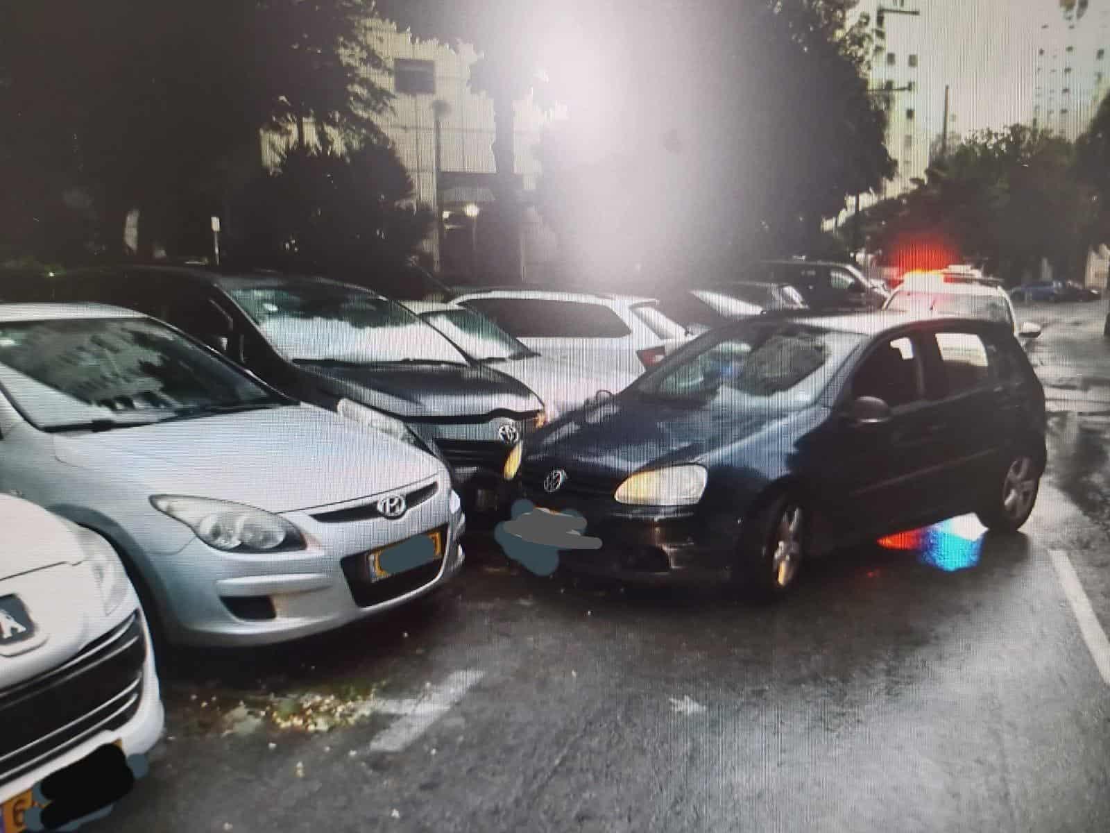 נהגת שיכורה פגעה ברכבים חונים. צילום: משטרת ישראל