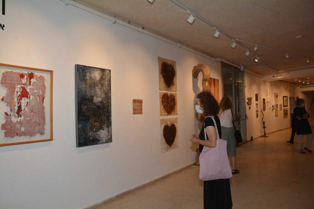 תערוכה תיאטרון גבעתיים. צילום: דוברות
