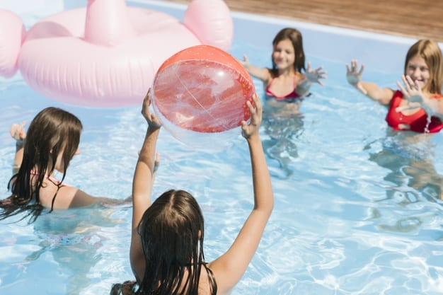 playing-time-swimming-pool-with-beach-ball_23-2148255389 (002)גל חזיזה כתבה 13