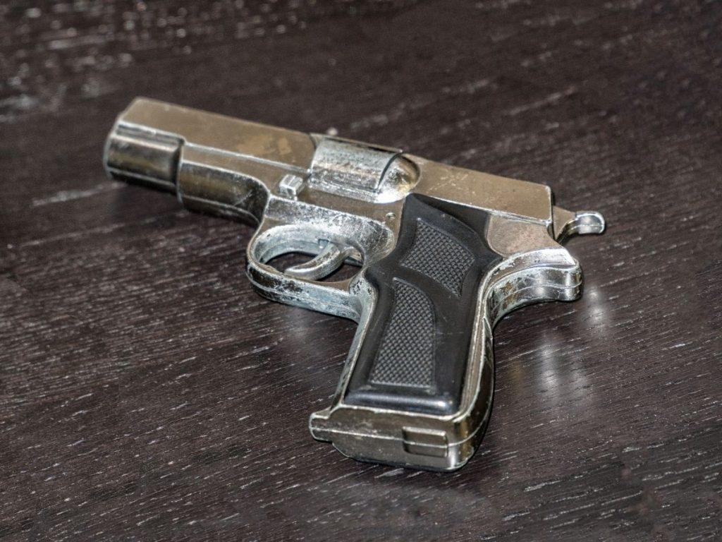 אקדח דמה. צילום:canva