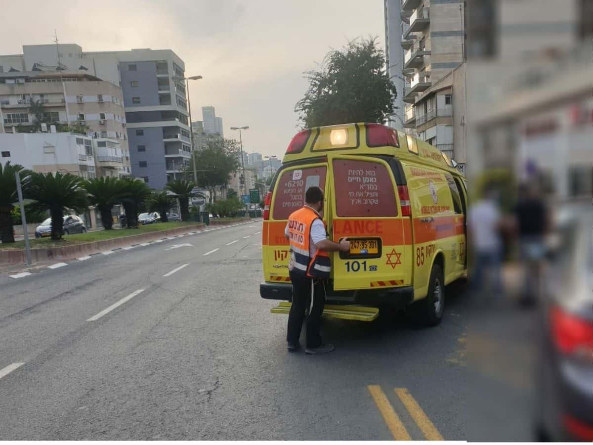 """גבר נפל מגובה צילום:דוברות מד""""א"""