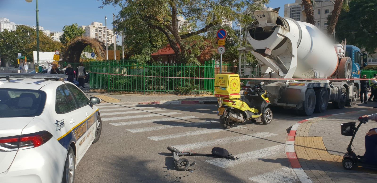 """רוכבת קורקינט חשמלי צילום: תיעוד מבצעי מד""""א"""