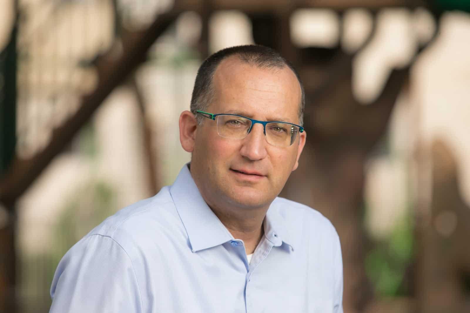 רן קוניק ראש עיריית גבעתיים (צילום דוברות גבעתיים)